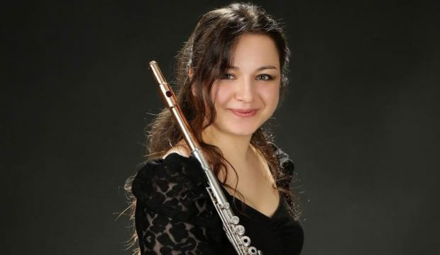 Genç flütçü, hocasının kendisi için bestelediği eserle İngiltere'de ödül aldı
