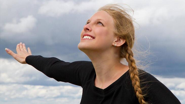 Mutlu bir çocukluk geçirenlerin psikolojisi daha sağlam oluyor